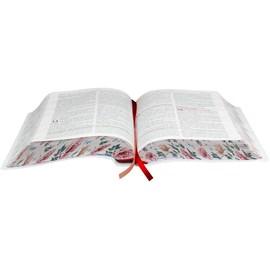 A Bíblia da Mulher | Letra Normal | ARC | Capa Luxo Ilustrada Flores